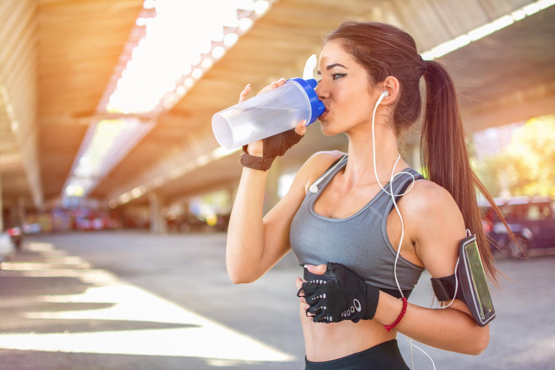 IoBevoFIT - Beviamo abbastanza acqua? Ecco i segnali per capirlo